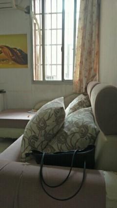 锦华苑两房一厅拎包入住月租1000元每月半年起租整租