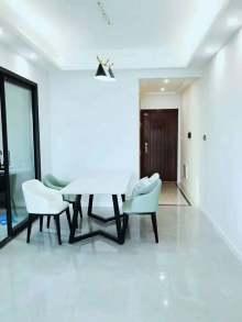 东紫门三房两厅,北欧风格,103平,全新装修未入住,69.8