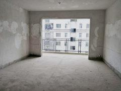 德政园步行中层大3室132平带车库仅售62.8万