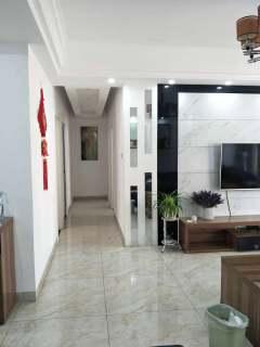 (集里街道)利通太悦城5室2厅2卫132m²简单装修