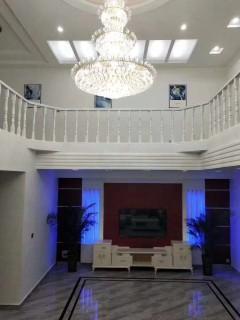 5室2厅3卫206m²精装修
