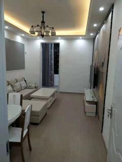 3室2厅2卫93m²精装修