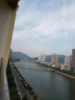 一线河景金地天马新城复式6室3厅4卫223平豪华装修170万