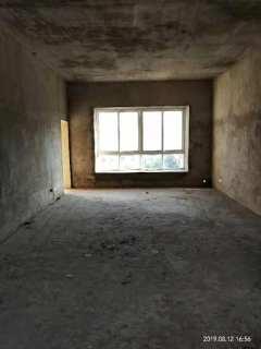 亚大国际新城4室2厅2卫156m²毛坯房70.8万钥匙在手