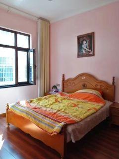 马鞍山小区独栋别墅四层5室3厅5卫288m²精装修198万