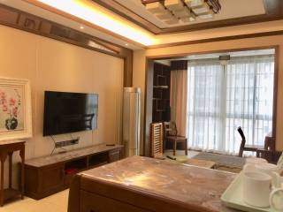君悦华府3室2厅2卫120m²豪华装修2200元其余自理