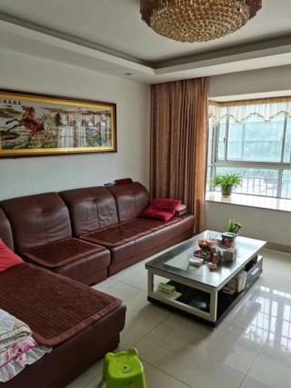 福临世家3室2厅2卫124m²精装修73.8万
