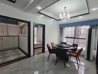 开心商业广场4室2厅2卫135m²精装修89.8万