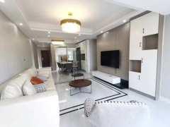 君悦阳光城4室2厅2卫119m²精装修93.8万