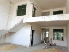 枫树街整栋出售9室3厅6卫620m²毛坯房180万