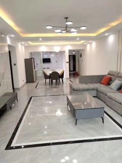 (荷花街道)盛世华庭3室2厅2卫143m²精装修