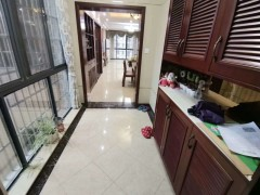 (集里街道)开心广场4室2厅2卫143平米,繁华地段大润发