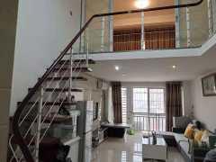 香槟现代城2室2厅1卫45+45m²精装修36.8万