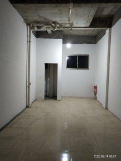 醴浏大厦小区内35平门面有窗户有卫生间简单装修600/月