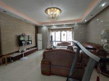 (荷花街道)水岸山城4室2厅2卫89.8万142m²出售