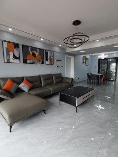 (淮川街道)鑫远名城4室2厅2卫85.8万134m²出售