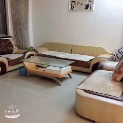 出租信息:1、圭斋东路鑫隆楼137平,家具家电齐全,200